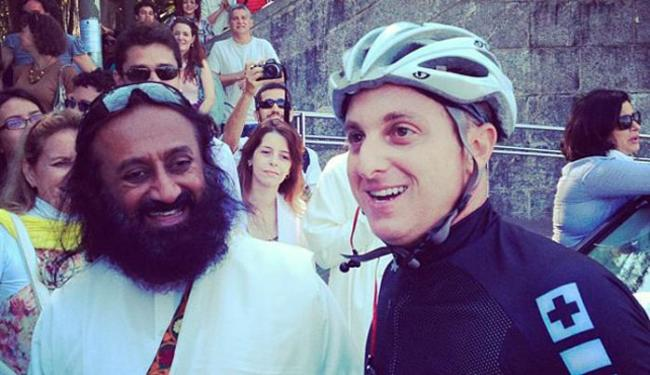 O guri Sri Sri Ravi Shankar estava no Cristo Redentor, no Rio de Janeiro - Foto: Reprodução | Instagram