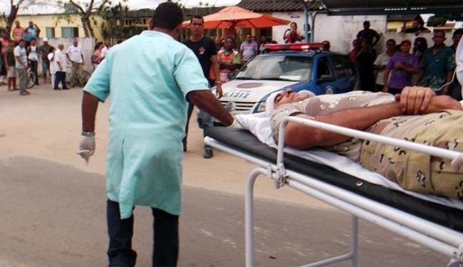 Um policial foi baleado na cabeça durante a troca de tiros na cidade de Itanhém - Foto: Site Liberdade News | Divulgação