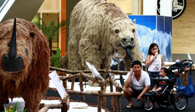Réplicas de animais extintos na época da Era do Gelo estão expostas em shopping - Foto: Fernando Vivas | Ag. A TARDE
