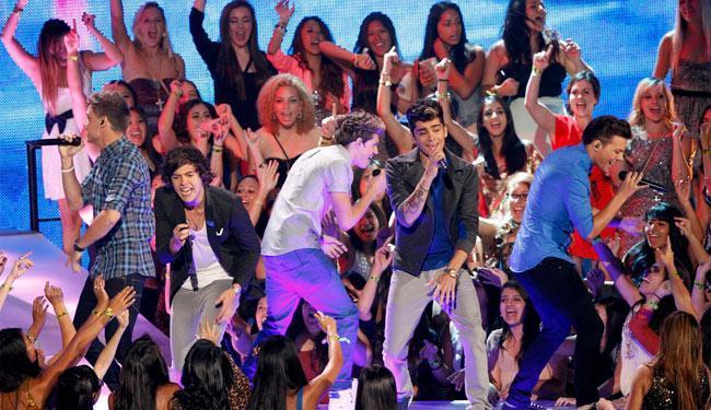 Banda também cantou sucessos no palco do VMA - Foto: Agência Reuters