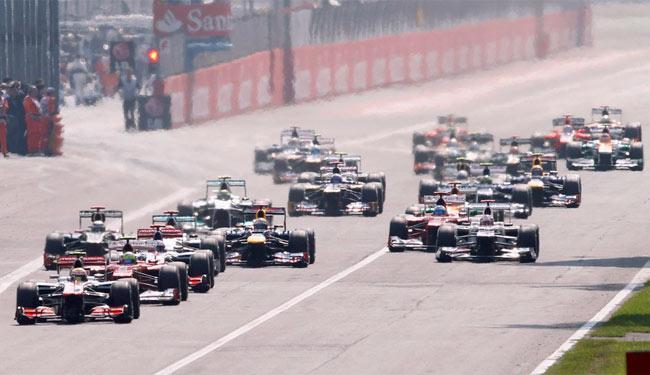 Lewis Hamilton dominou a corrida de ponta a ponta - Foto: Agência EFE