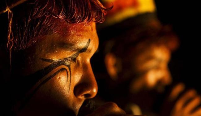 Imagem de índio e sua relação com a natureza é retratada na mostra - Foto: Emídio Bastos | Divulgação