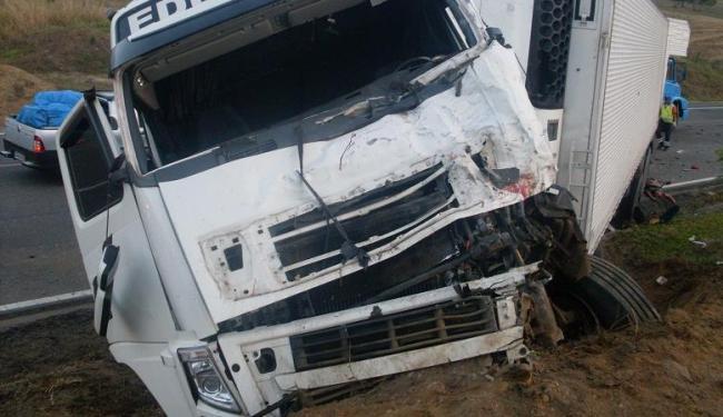 Acidente ocorreu às 4h deste domingo - Foto: Divulgação | PRF