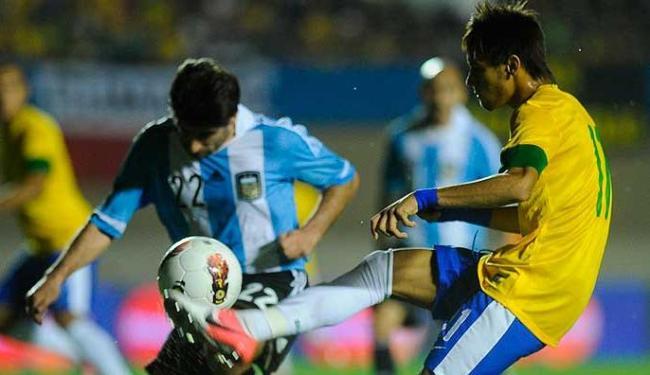 Neymar marcou o gol da virada sobre a Argentina, de Pênalti - Foto: Fernando Bizerra   Agência EFE