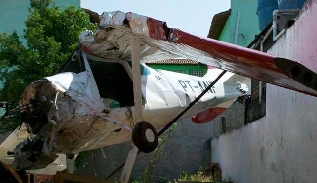 O piloto foi resgatado por uma ambulância do Serviço Móvel de Urgência - Foto: Cláudio Cassino | AE