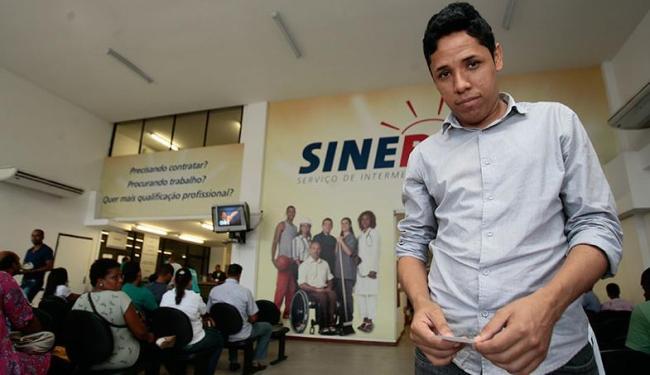 Desempregado, Tiago vê na época chance de conquistar uma vaga - Foto: Mila Cordeiro | Ag. A TARDE