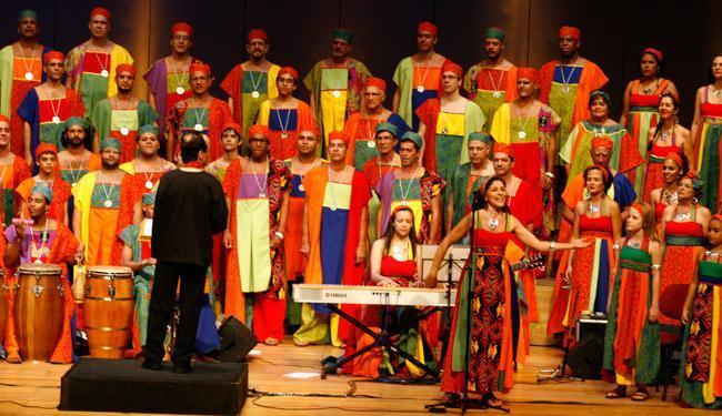 Vozes da África será entoado em vários dialetos com canções que representam a religiosidade, costume - Foto: Luciano da Matta   Ag. A TARDE