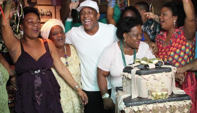 Cantor comemorou a nova idade ao lado de amigos famosos e familiares - Foto: Uran Rodrigues | Divulgação