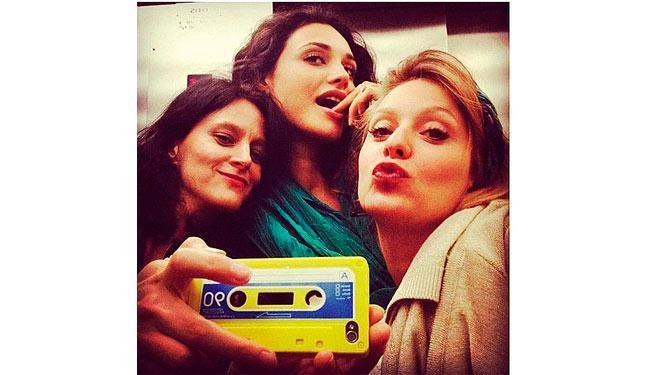 Débora Nascimento fez carinha de sapeca na foto do Instagram - Foto: Reprodução | Instagram | @debranascimento
