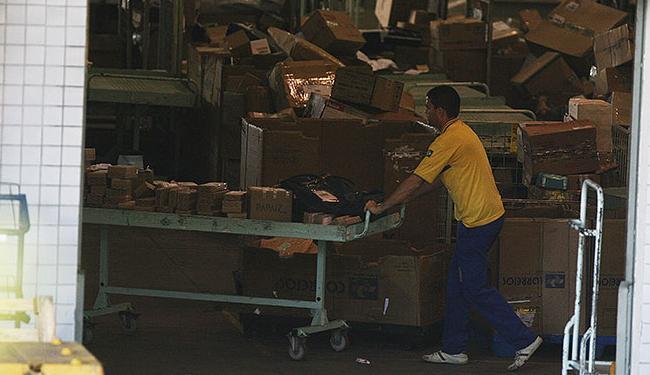 Serviços que estavam suspensos também estarão disponíveis na segunda - Foto: Raul Spinassé   Agência A TARDE