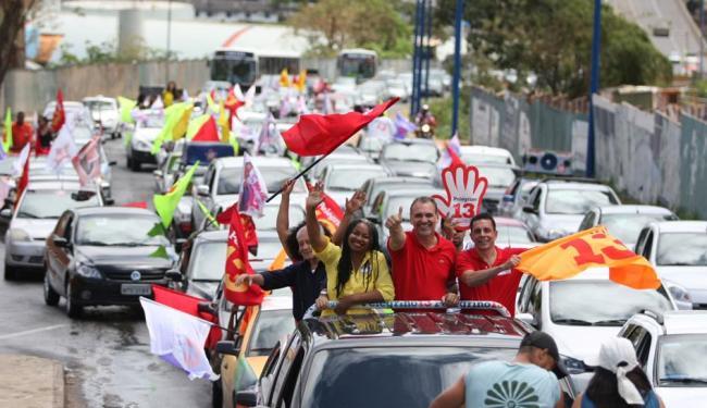 Acompanhado de Olívia Santana, Pelegrino prometeu parceria com Sebrae - Foto: Divulgação   Ag. A TARDE