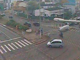 Na Avenida Lucaia, o trânsito está fluindo - Foto: Reprodução | Transalvador