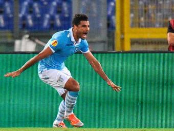 Com gol aos 17 minutos do segundo tempo, atacante brasileiro garante triunfo da Lazio - Foto: Ettore Ferrari | Agência Efe