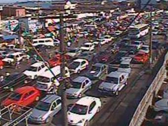 Na avenida Jequitaia, trânsito tem fluxo intenso - Foto: Reprodução | Transalvador
