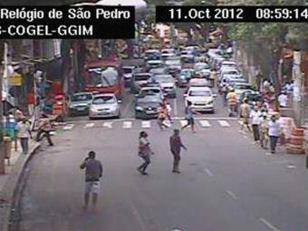 Na Avenida Sete, Centro de Salvador, o trânsito segue normal, diz Transalvador - Foto: Reprodução | Transalvador