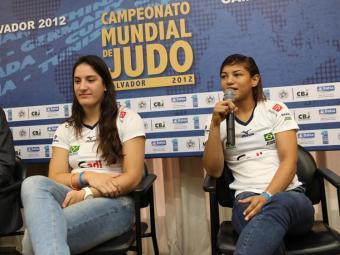 Mayra (e) e outros judocas estiveram em Salvador em setembro para divulgar o Campeonato Mundial de J - Foto: Alberto Coutinho / Secom