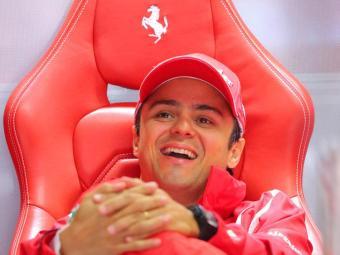 Narrador informou que piloto continua na Ferrari em 2013 - Foto: Valdrin Xhemaj/EFE