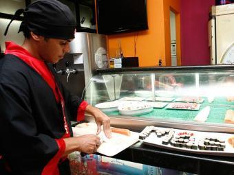 Há oportunidade para sushiman no Oportunidade RH - Foto: Reginaldo Pereira | Arquivo | Ag. A TARDE