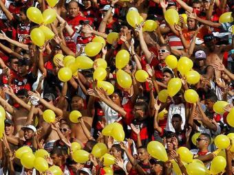 Para empurrar o Vitória de volta à liderança, torcida deve comparece em peso contra o Atlético-PR - Foto: Eduardo Martins | Agência A TARDE