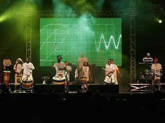 Olodum volta a tocar no festival onde fez seu primeiro show fora da Bahia, 25 anos atrás - Foto: Mila Codeiro | Ag. A TARDE