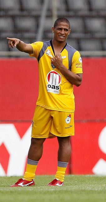 Recuperado de lesão que o deixou de fora por três semanas, Uelliton volta ao time contra o ABC - Foto: Eduardo Martins | Agência A TARDE