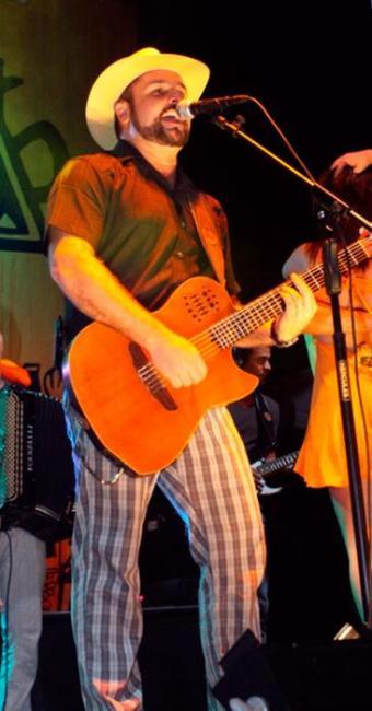 A Estakazero é uma das bandas que vai animar a festa - Foto: Rafael Gonzaga | Divulgação