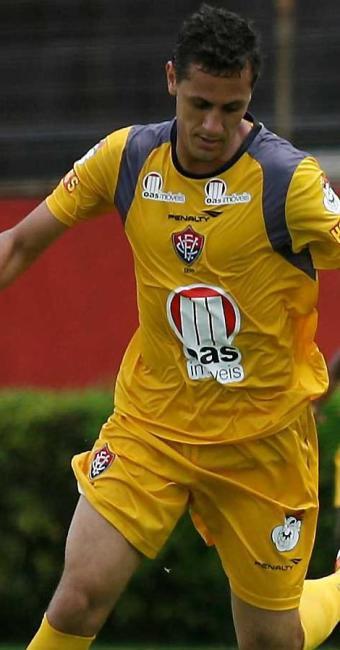 Eduardo Ramos treina entre titulares e, contra o Bragantino, deve ficar com a vaga de Pedro Ken - Foto: Eduardo Martins | Agência A TARDE