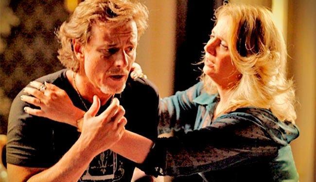 Ivana fica desesperada com a descoberta das armações de Max e ameça sair de casa - Foto: Divulgação