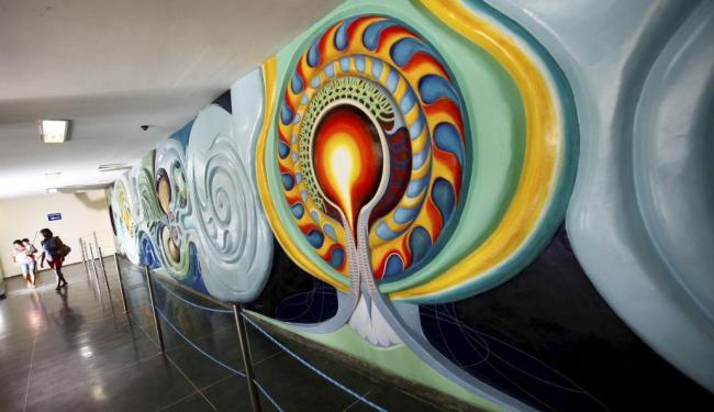 O painel artístico situado na recepção principal do Hospital também foi restaurado - Foto: Fernando Vivas | Ag. A TARDE