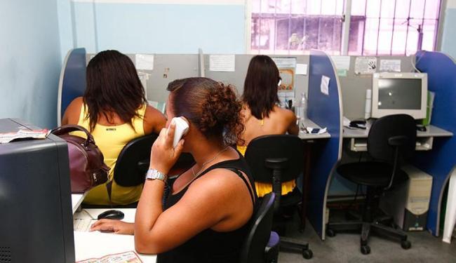 227 vagas são disponibilizadas para operador de telemarketing - Foto: Iracema Chequer | Ag. A TARDE
