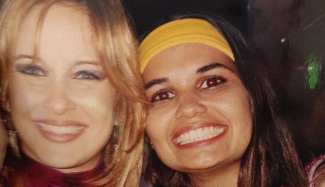 Erika Lemos posa ao lado de Claudia Leitte em um dos aniversários da cantora - Foto: Arquivo Pessoal