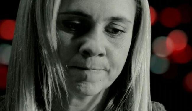 Carminha fará novas promessas para Max não desmascará-la em vão - Foto: Divulgação | TV Globo