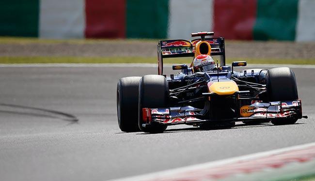 O alemão Sebastian Vettel fez excelente tempo e vai largar na pole neste domingo - Foto: Agência Reuters