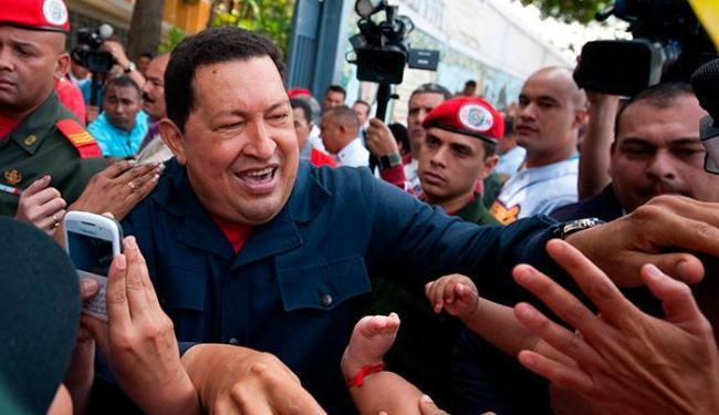 Chávez é reeleito com 54,42% dos votos - Foto: Agência EFE