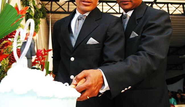 Casais poderão procurar os cartórios a partir do dia 26 de novembro - Foto: Edmar Melo | Agência A Tarde | 26/07/2003