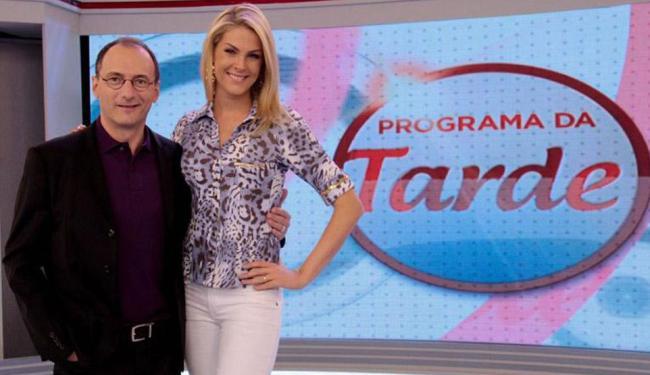 Brito Jr. e Ana Hickmann comandam o 'Programa da Tarde' na Record - Foto: Divulgação   TV Record