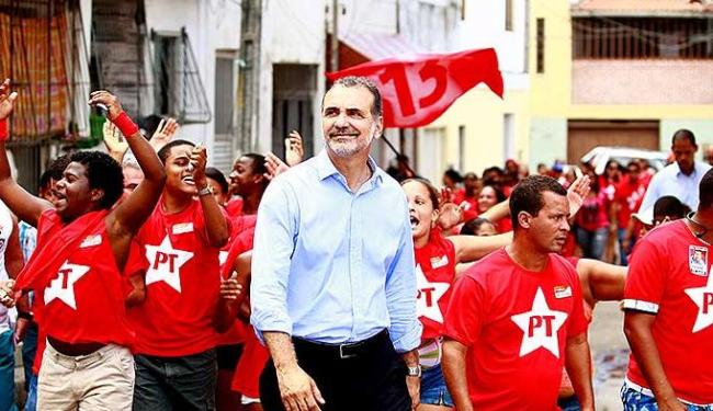 O petista Pelegrino quer alcançar a classe média, mas promete um governo para