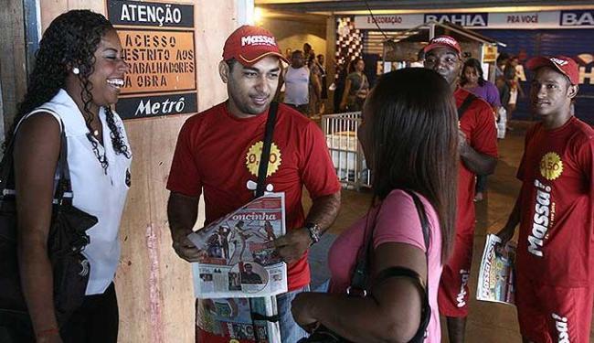 Massa se aproxima do cotidiano das comunidades - Foto: Lunaé Parracho   Agência A TARDE