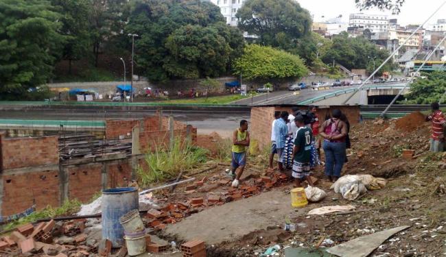 A primeira demolição foi realizada na última quarta-feira, 10 - Foto: Henrique Mendes | Ag. A TARDE