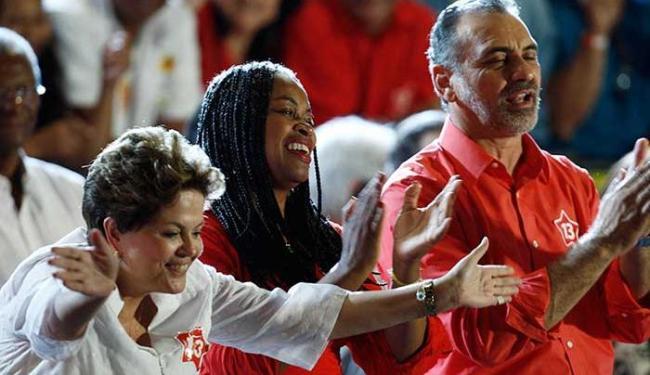 Presidente Dilma veio a Salvador na reta final da campanha de Pelegrino - Foto: Lúcio Távora | Ag. A TARDE
