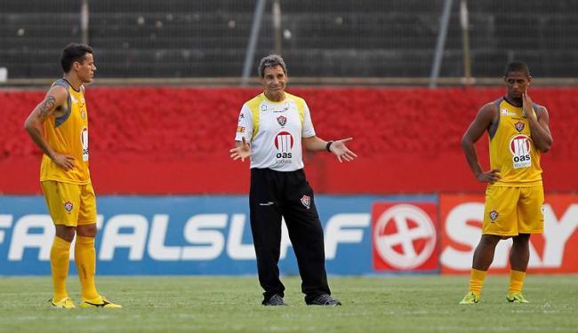 Carpegiani diz ter se demitido para renovar espírito da equipe - Foto: Eduardo Martins | Ag. A TARDE