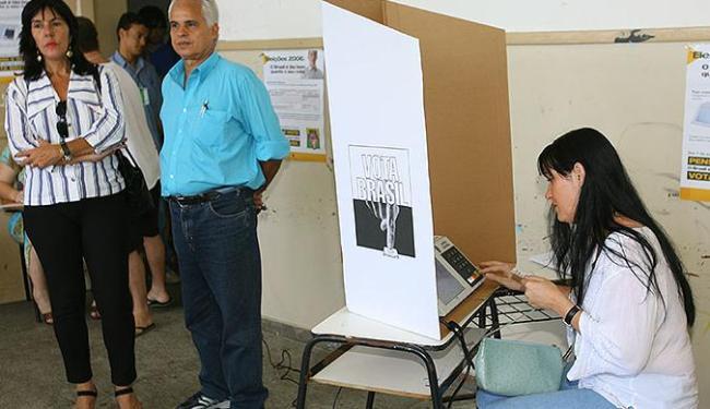 Na Bahia, eleitores de Salvador e Vitória da Conquista votam mais uma vez, neste domingo - Foto: Marco Aurélio Martins | Ag. A TARDE