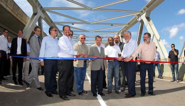 Governador Jaques Wagner e ministro dos transportes participaram da cerimônia de abertura - Foto: Divulgação | Secom