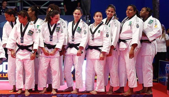 Com apoio da torcida em Salvador, seleção feminina conseguiu a história medalha - Foto: Lúcio Távora / AG. A Tarde