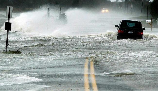 A aproximação do furacão Sandy da Costa Leste dos EUA já causa transtornos para os moradores - Foto: Reuters l Lucas Jackson