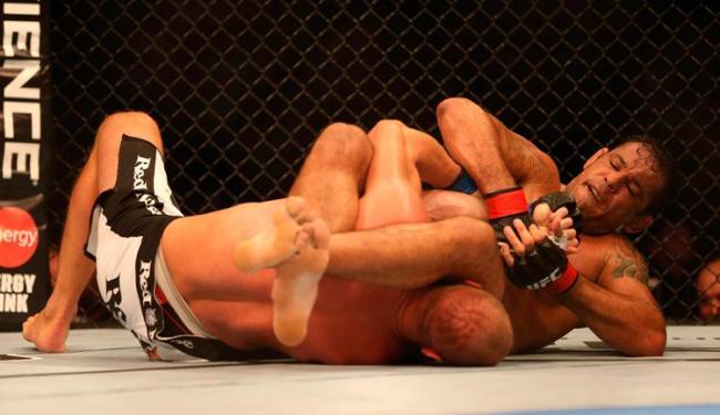 Minotauro vem de uma vitória na carreira, sobre Dave Herman, no UFC Rio 3 - Foto: Marcelo Sayão/EFE