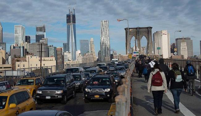 Norte-americanos tentam retomar suas rotinas após devastação do Furacão Sandy - Foto: Reuters l Keith Bedford