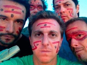 Luciano Huck e outros artistas surfaram na pororoca - Foto: Reprodução