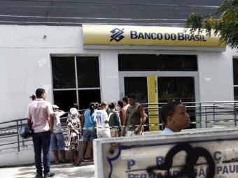 A agência foi interditada para perícia - Foto: Luiz Tito   Ag. A TARDE