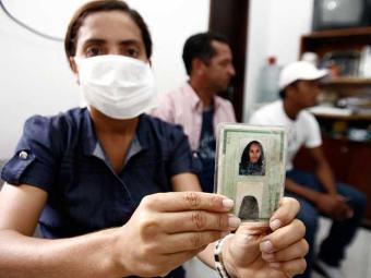 Família pede transferência para o Couto Maia, pois teme que a paciente morra - Foto: Luiz Tito | Ag. A TARDE